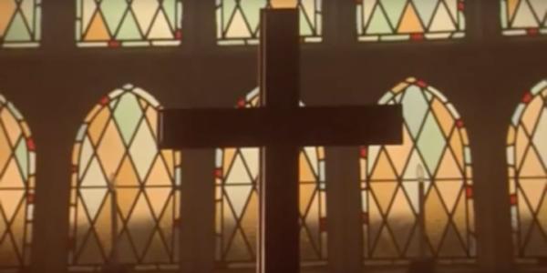 Prima dell'Apocalisse (Gli Esclusi) | Un racconto che parla di tute in acetato, drogati e Gesù
